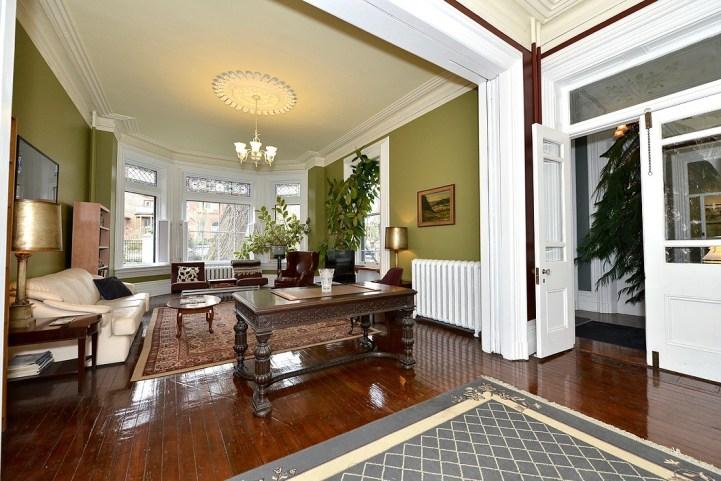 32 Beaty Avenue - Family Room Wide Shot