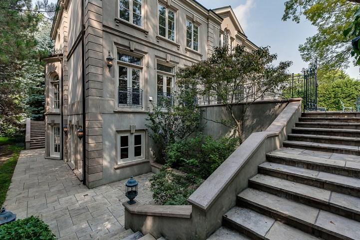 37 Edgehill Road - Backyard Staircase