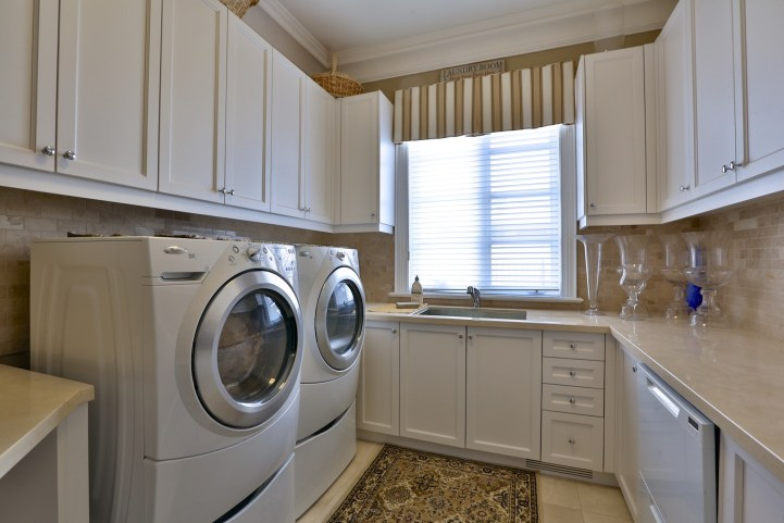 12 The Bridle Path - Laundry Room 2