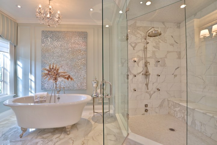 12 The Bridle Path - Master Bedroom Ensuite Bathroom