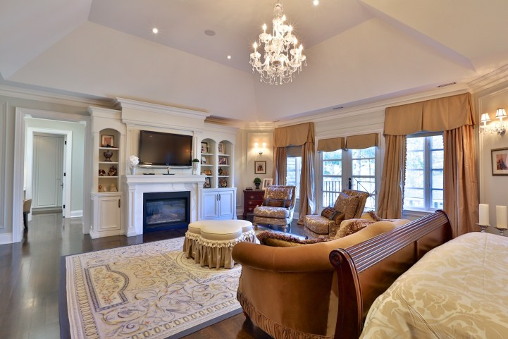 12 The Bridle Path - Second Story Family Room