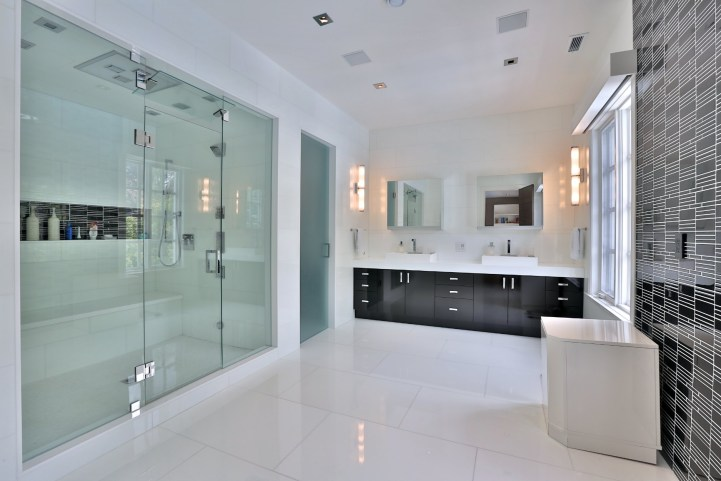 110 Arjay Crescent - Master Bedroom Ensuite