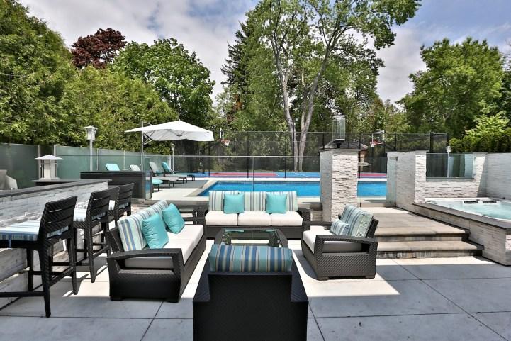 110 Arjay Crescent - Pool Patio