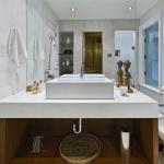 12 Macpherson Avenue - Third Floor Bath