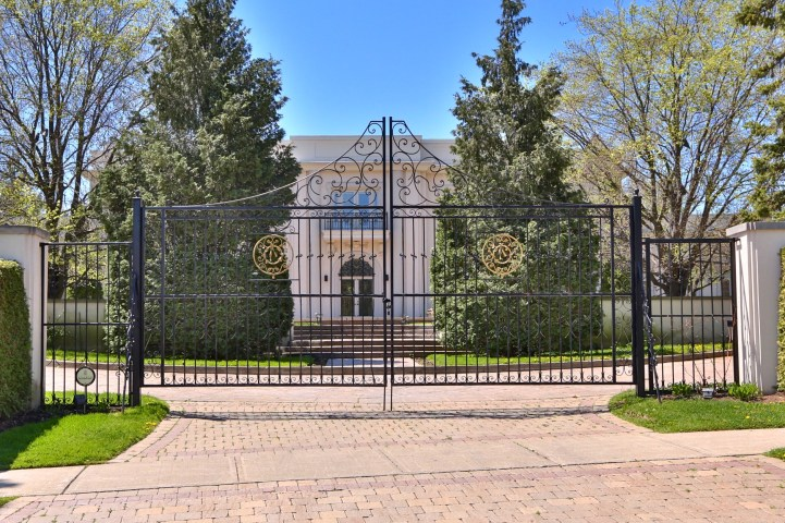 16 High Point Road - Exterior Gate