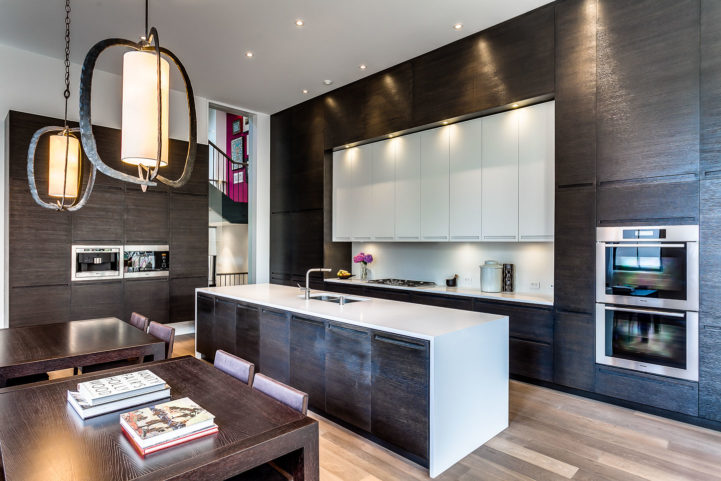 314 Palmerston Blvd Kitchen
