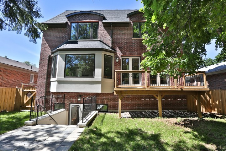 491 Glengarry Avenue - Exterior Rear