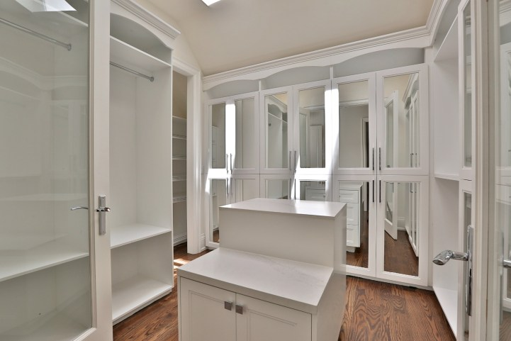 491 Glengarry Avenue - Master Bedroom Closet