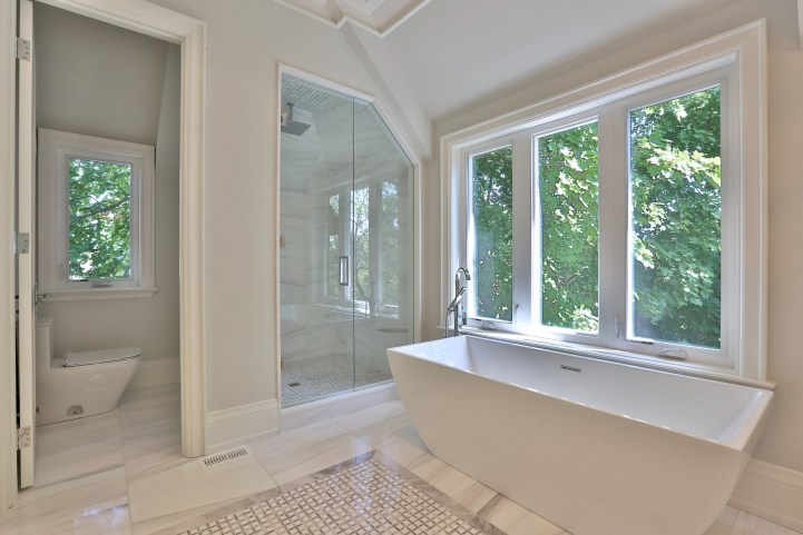 491 Glengarry Avenue - Master Bedroom Ensuite Shower
