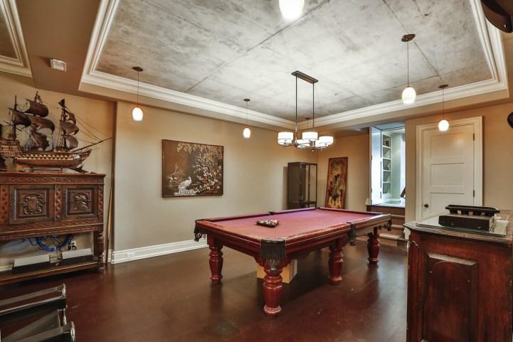 69 Highland Cres - Billiards Room