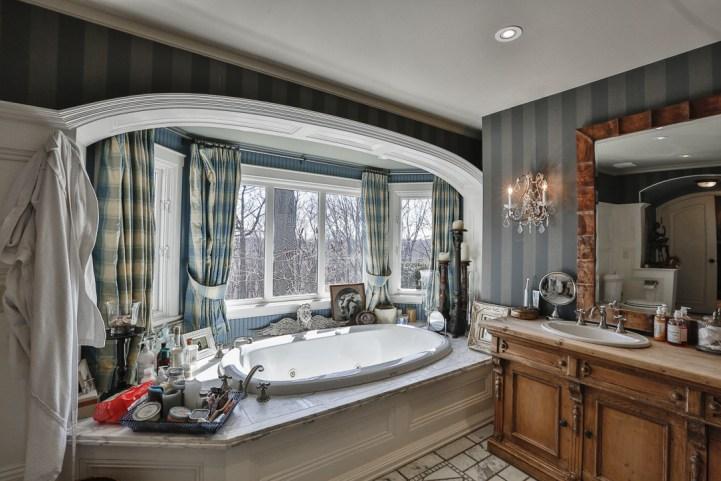 69 Highland Cres - Master Bedroom