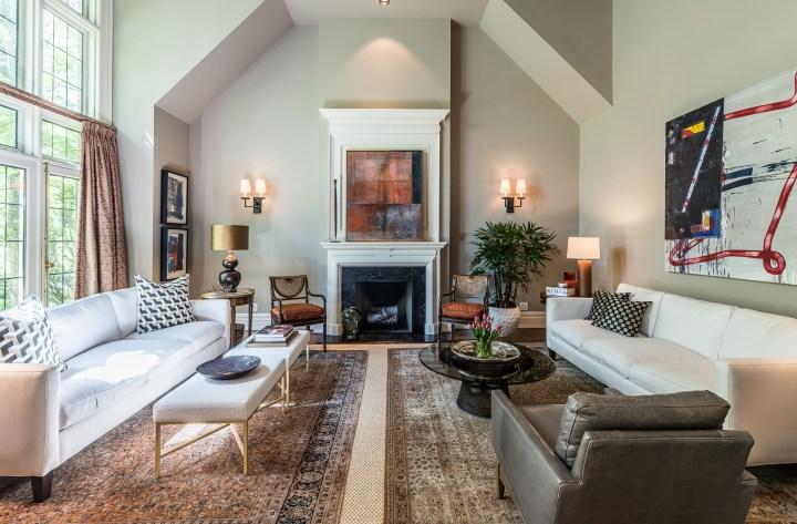 88 Wychwood Park - Living Room