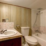 4685 West 8 Avenue Vancouver BC - Bathroom 1
