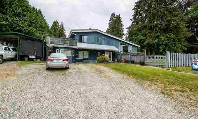 2871 St. Christophers Road North Vancouver, BC - Exterior