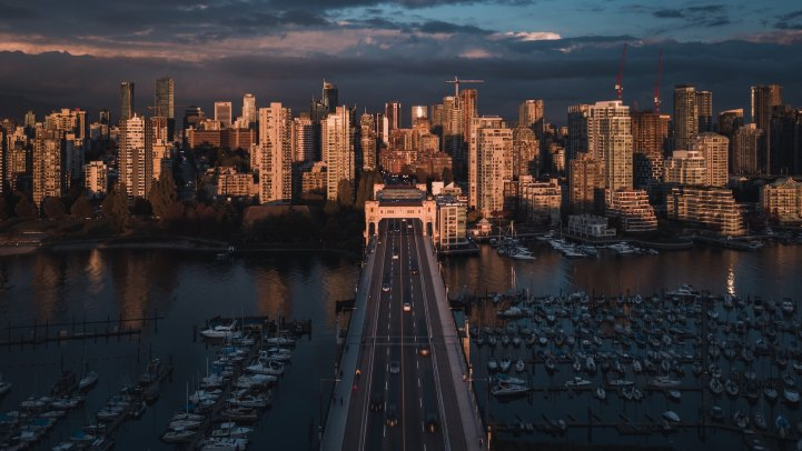 CMHC Finally Says Vancouver Is Too Expensive For Local Incomes. Toronto Overvalued