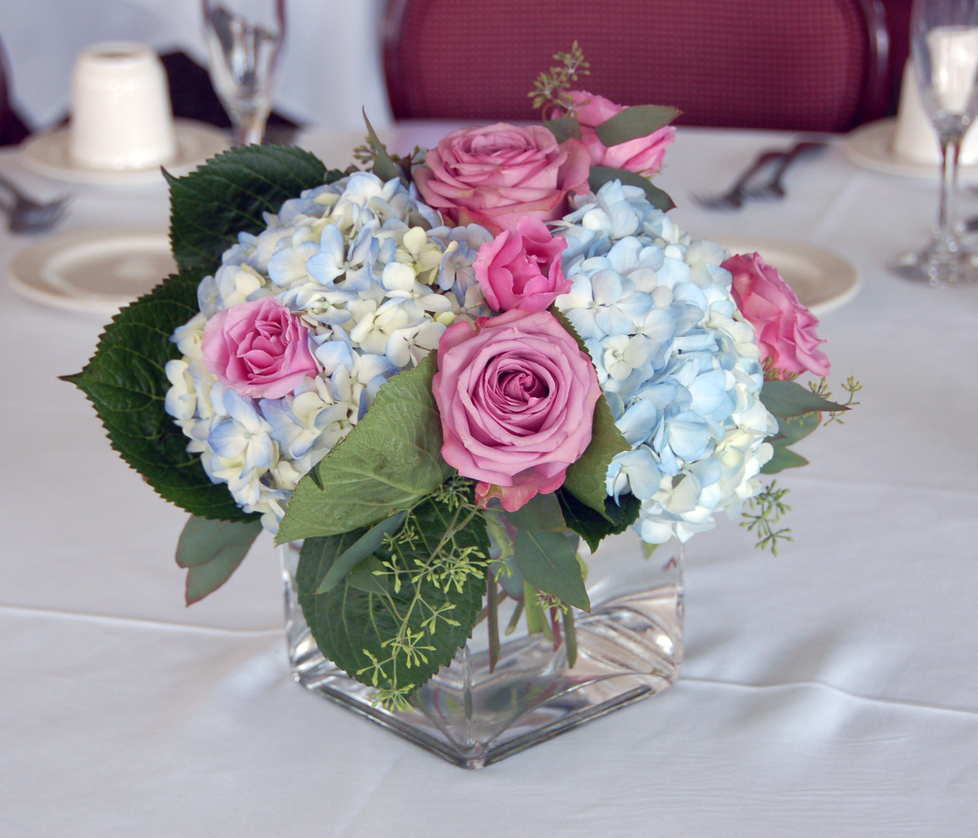 Make Your Fresh Flowers Last Longer With These Tricks  Better HouseKeeper