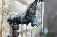 6 Ways to Avoid Frozen Pipes  Better HouseKeeper