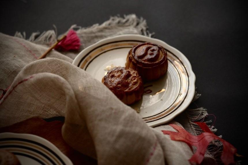 chinese taiwanese mooncake eggyolk cake05