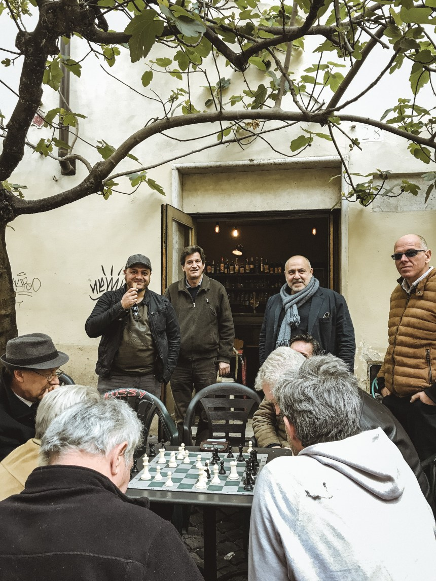 where to play chess in Rome Bar del Fico