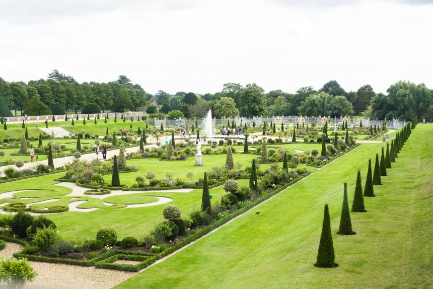 garden view London Hampton court palace