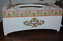 Chustecznik z ornamentami