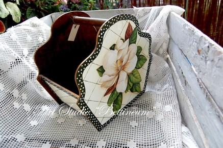 Kosz z magnolią