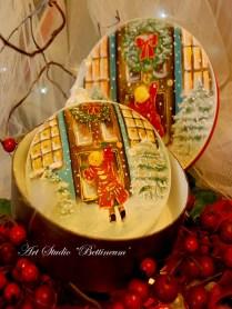 Dziewczynka pukająca do świątecznych drzwi