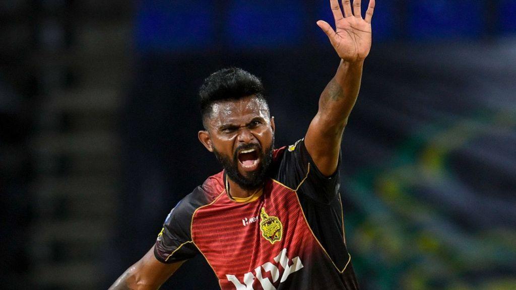 Kieron Pollard cuts loose to seal chase after Isuru Udana's five-wicket haul