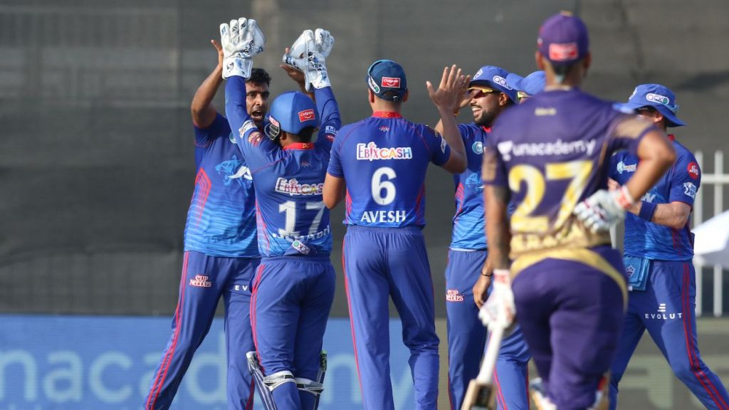 Mumbai back in familiar territory against top-two-contending Capitals