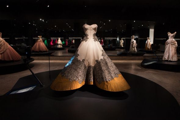 My favourite dress in the Charles James exhibit. Photo source: Metropolitan Museum of Art