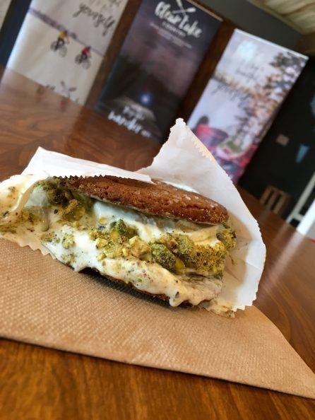 Lemon ginger ice cream sandwich, Lake House, Wasagaming