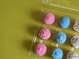 How to Ice a Cupcake and Make a Kid Super Happy