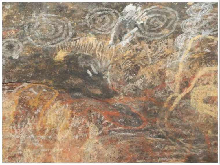 Uluru cave paintings