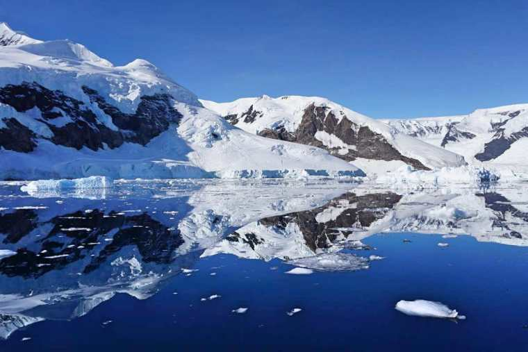 Antarctica - The Traveller's Guide By #ljojlo