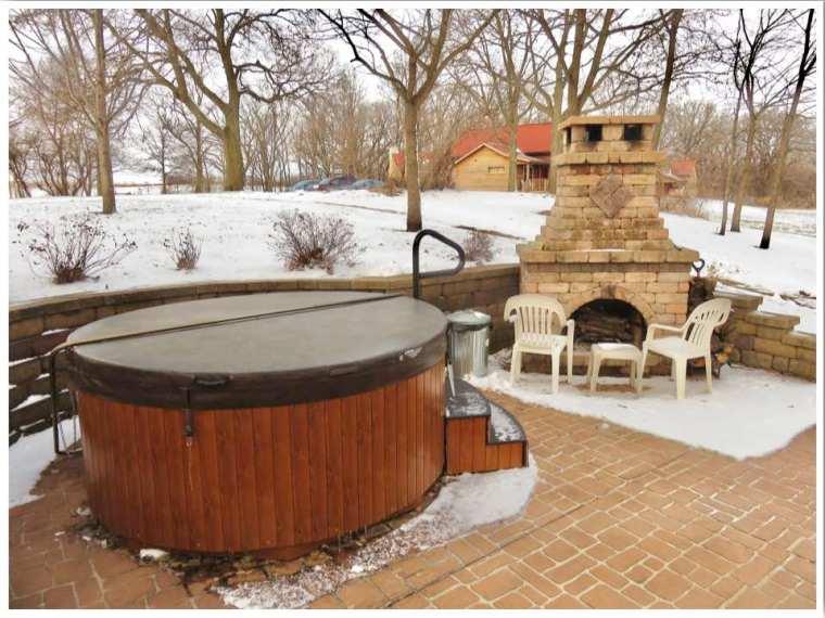 Iowa cabins with hot tub