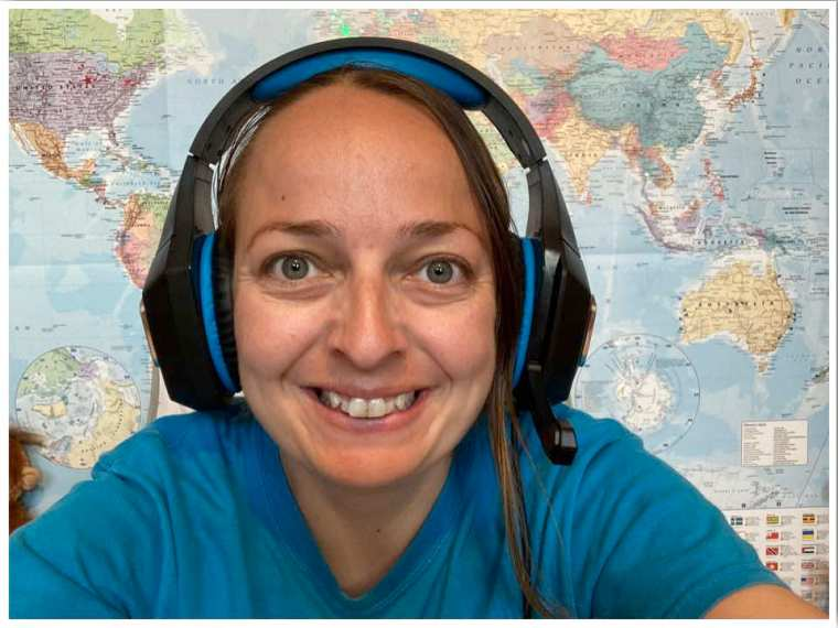 Headset for teaching English online