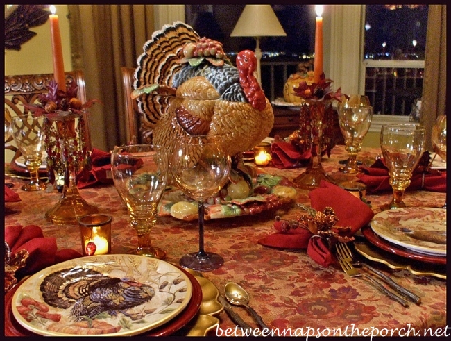 beach themed kitchen decor paint for cabinets thanksgiving tablescape with turkey centerpiece and ...