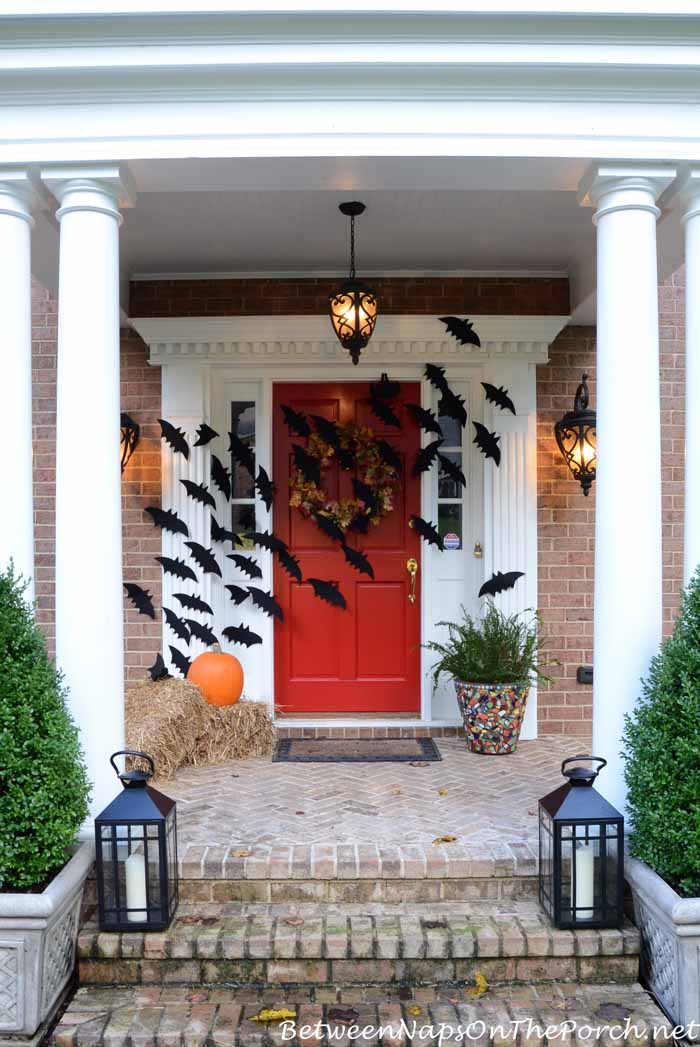 Halloween Porch Decorations With Flying Bats