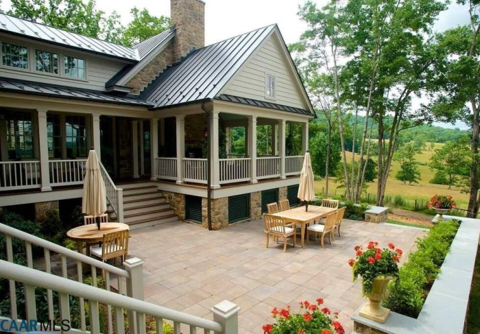 "Tour The Fox Hill A Beautiful ""Southern Living"" Plan Home"