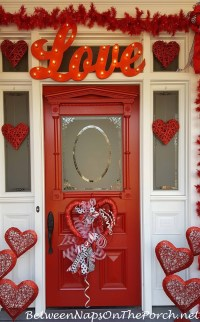 Valentine's Day Decorations: Decorate the Porch, Front