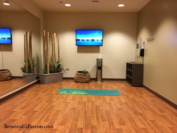 Midway Airport Chicago (MDW) has a lovely Yoga Room