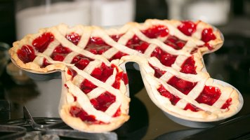 Pi Day Pie Pan - part of a post of products to make your Pi Day as fun and festive as possible