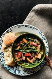 recette végétalienne ragoût de tofu fumé, pleurotes et salicornes lisette kreischer
