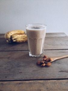 vegan smoothie met banaan en speculooskruiden