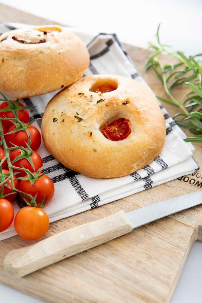 recette végétalienne focaccia aux tomates cérises