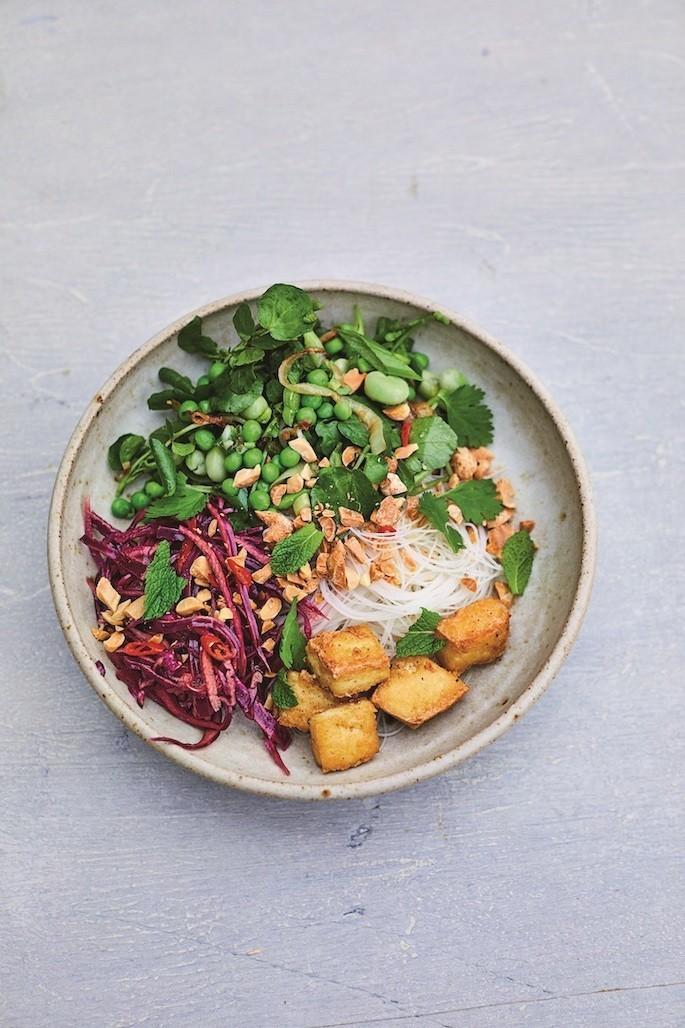 recette végétalienne salade de nouilles au tofu