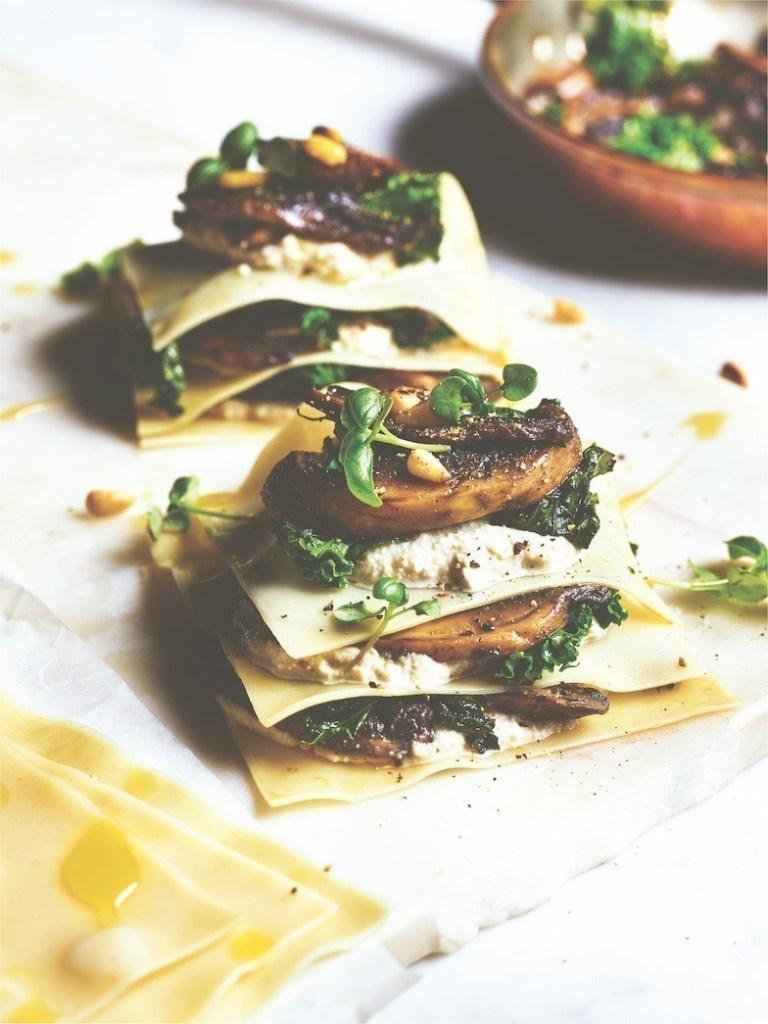 recette végane Lasagne ouverte aux champignons, ricotta de cajou, chou frisé et huile de truffe