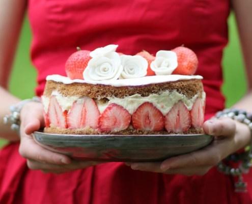 recept veganistische aardbeientaart met vanillebiscuit