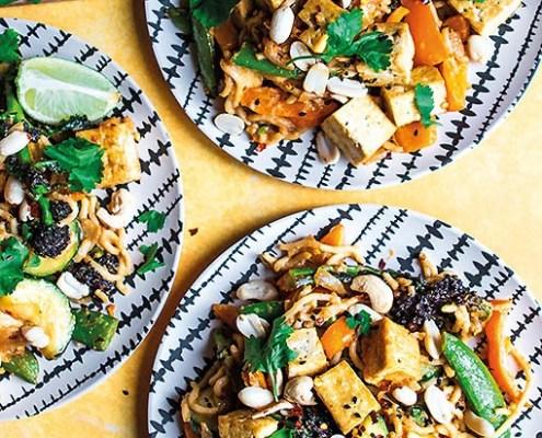 woknoedels-tofu-pindasaus-zoete-aardappel