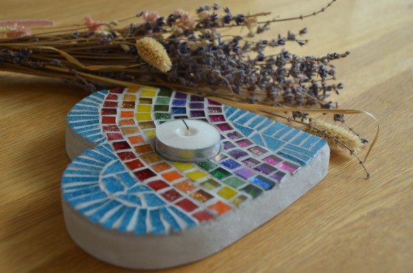 rainbow-heart-tealight-holder-mosaic